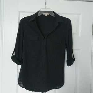 Black 3/4 sleeve collared top